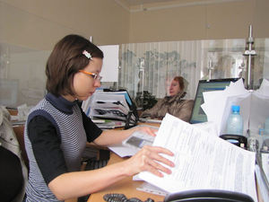 Во сколько лет женщина уходит на пенсию в беларуси