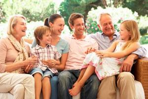 Кто является близким родственником по закону в Семейном кодексе РФ? Определение и трактовки законодательства