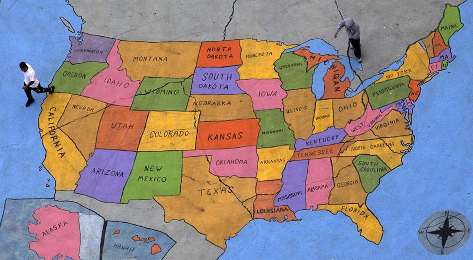 Карта США на асфальте
