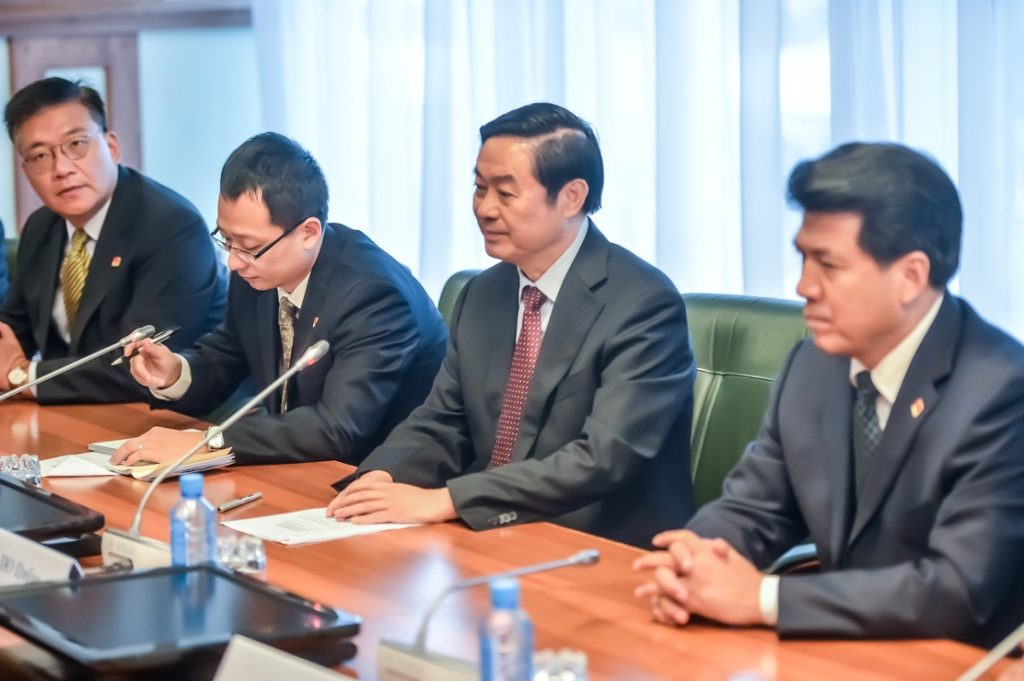 китайские бизнесмены