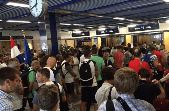 Очередь на пункте пограничного контроля Хорватии