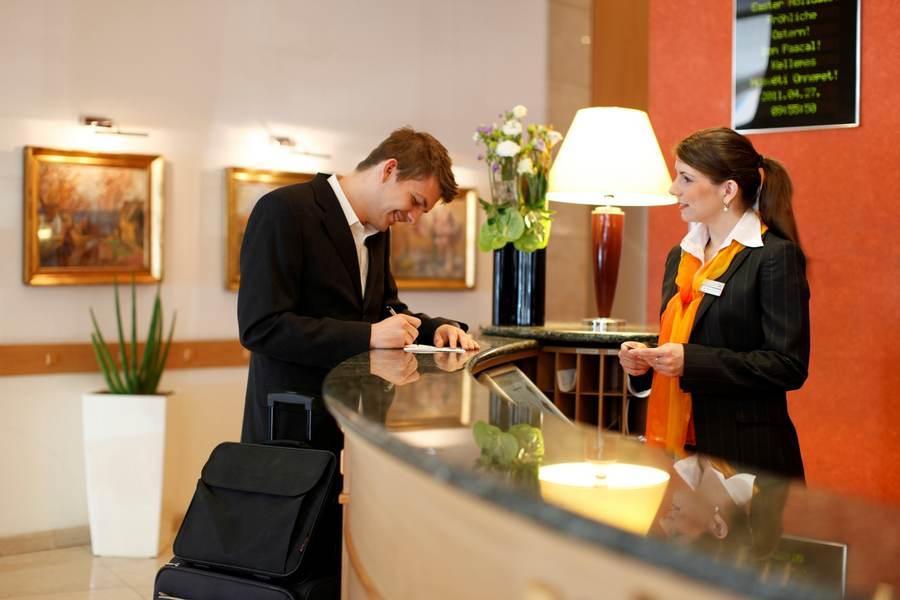 Администратор в гостинице