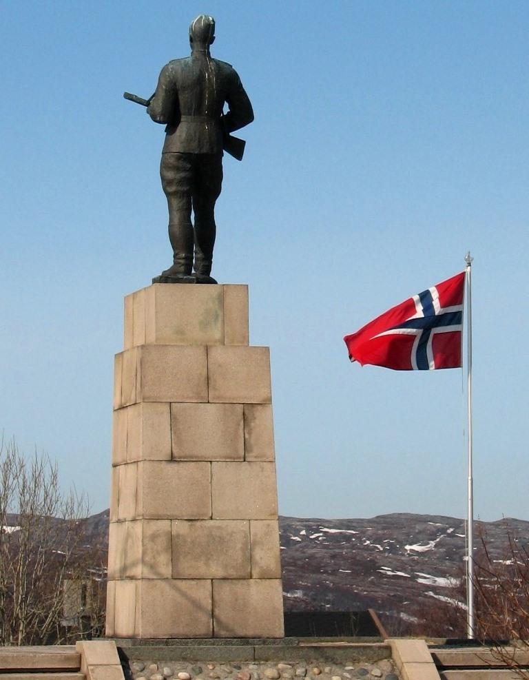 Памятник советскому содату в Норвегии