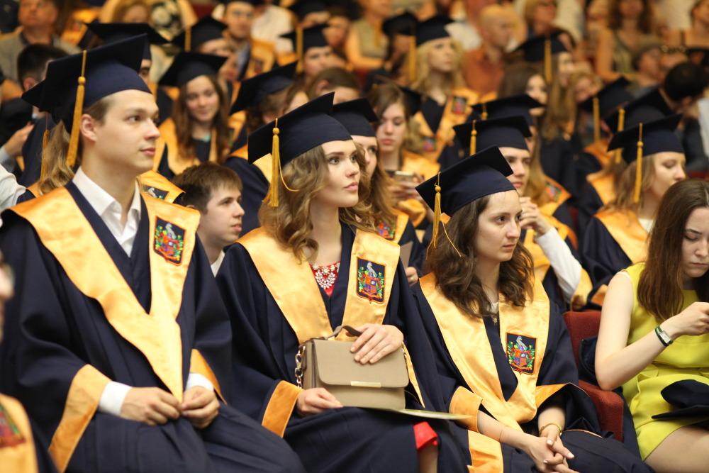 вручение дипломов в Америке
