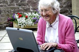 платная помощь пожилым людям на дому