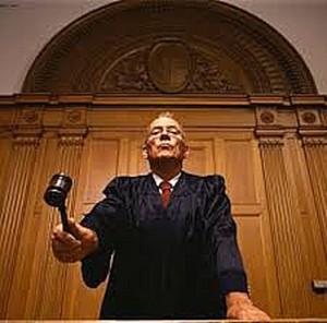 Описание работы судов по искам против банков