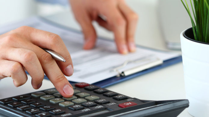 Подсчёт твёрдой суммы алиментов на калькуляторе
